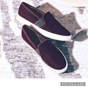 "VINCE ""Blair-12"" Velvet Skate Slip-On Sneakers"